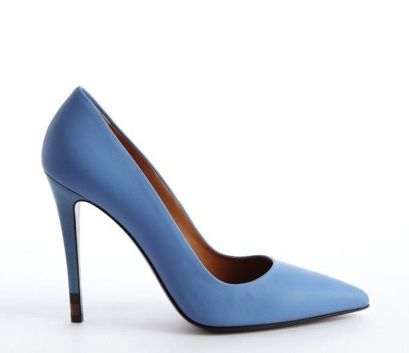 Fendi powder blue leather pointed toe pumps