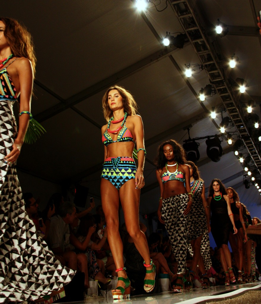 swim-week-miami-fashion-blogger-biana-demarco-mara-hoffman-1