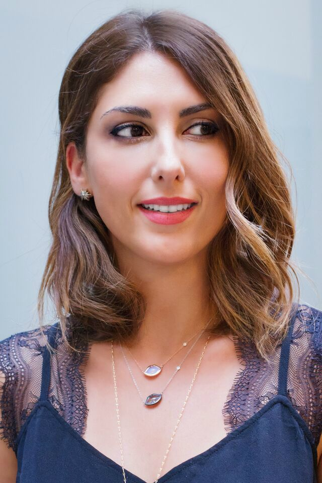 miami-style-blogger-biana-demarco-fashion-whipped-cliff-and-b-lip-necklace