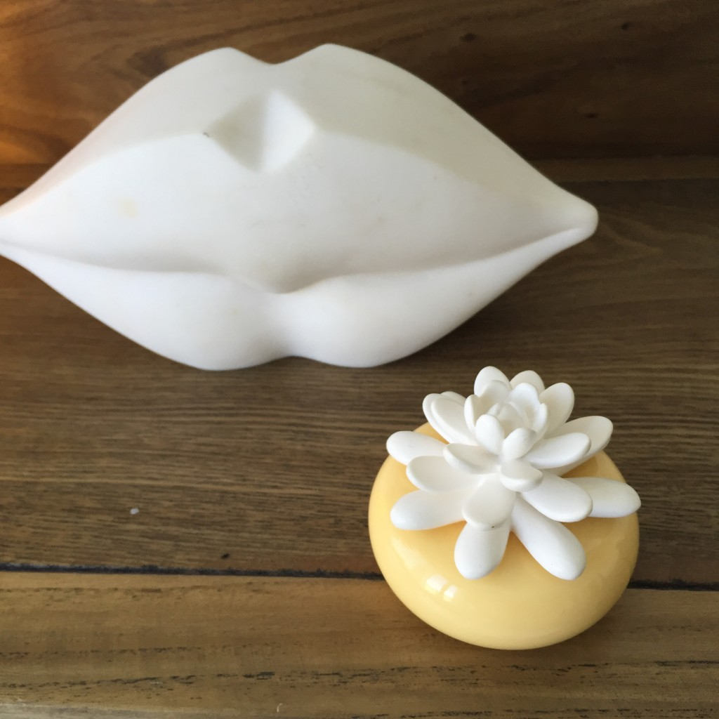 chando-White-Lotus-Mini- diffuser-Elegance Collection